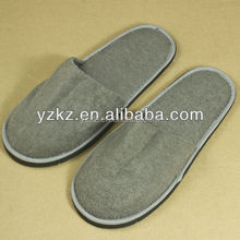 Eco Friendly Natural and Organic hotel disposable printed cotton towel closed toe slippers hotel amenities