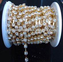 Wholesale white color rhinestone cup metal chain gold claw,2012 latest high quality garment rhinestone chain!Cheap!!