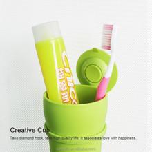 Elegant Design Plastic Tumbler Holder
