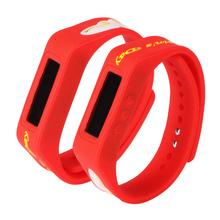 custom design fitness silicone wristband pedometer,bluetooth wristband pedometer