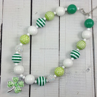 2015 wholesale fashion kids beads St. Patricks Day chunky bubblegum clover pendant necklace