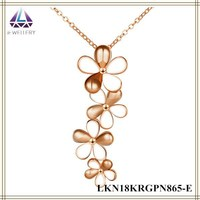Titanium Rose Gold Flated Four Flower Pendant Necklace For Women Paint Jewelry Yiwu Stock Jewelry For Women