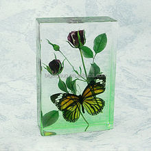 Chinese folk arts and crafts butterfly crystal acrylic glass paperweight