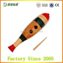 Música antigua instrumento musical educativo madera guiro con scratcher