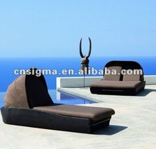 2014 Hot sale wicker and beige outdoor high chaise lounge chairs outdoor