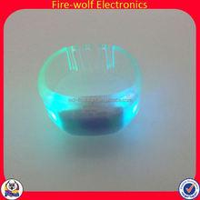 Custom Wireless Activity + Sleep Wristband China Custom Wireless Activity + Sleep Wristband Maker