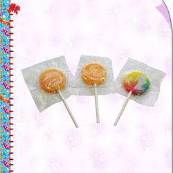 Flat fruit lollipop