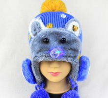 Timber wolf knitted cap, winter cap for child, double lights baby hat