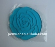 Wholesale flower shaped super sticky car non-slip pad with fruit flavor offering much convenience