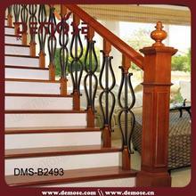 Interior utilizado forjado escalera de barandilla de hierro