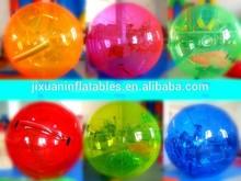 colorido de ascenso en el interior de las bolas para adultos y niños