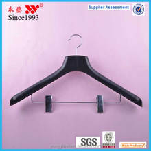 46 cm cheap plastic suit hanger with locking bar