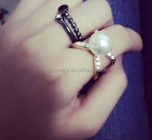 2015 Fashion trendy gold plated open pearl ring designs