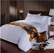 hotel 100% polyester jacquard bed set/modern design bed runner and cushion cover