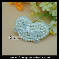 China wholesale sweet sew on heart pearl beaded applique patch