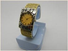 unisex antique design snake skin bangle watch