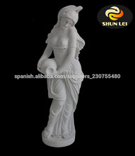 mármol estatua de mujer desnuda