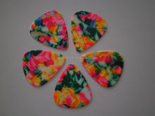 sell celluloid gutiar pick