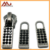 Anti copper diamond zipper puller