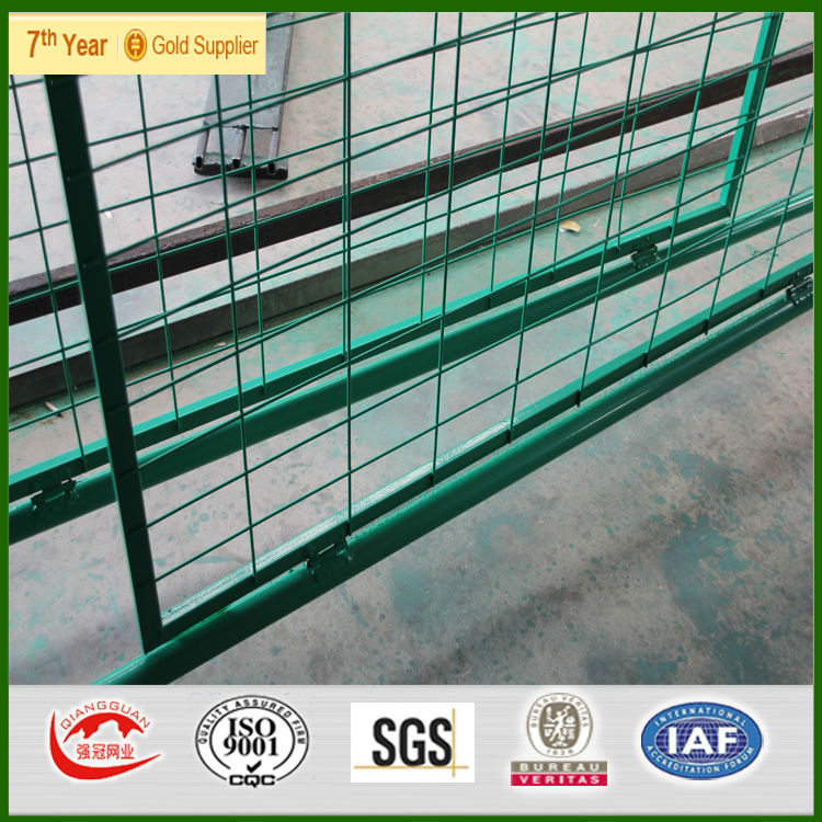 Wholesale PVC Coated Border Green Garden Wire Mesh Fence Welded Wire Mesh Fen