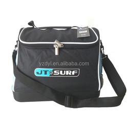 Hard plastic bottom insulating effect cooler bag