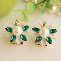 Fashion OL Cute Crystal Earrings Shinning Pearl Women Earrigs Sample Free