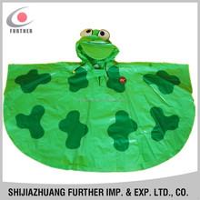 R-1020K-1002 bulk environmental plastic school bag cheap price green printed kids waterproof fabric cute frog ponchos