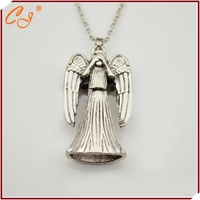European and American film and television mysterious disappearance of Dr Cry angel ancient silver necklace hot money
