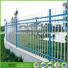 jardín decorativo de privacidad valla de hierro forjado y puertas
