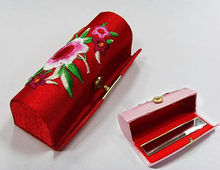 china factory customized new trend Wholesale satin/PU/Fabric/metallic lipstick case lipstick box