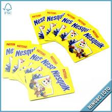 los niños que juegan <span class=keywords><strong>tarjeta</strong></span> de tarjetas de dibujos animados