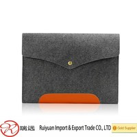"""Alibaba chepaest !!! Portable Grey 13"""" felt laptop sleeve with Leather and magnetic button"""