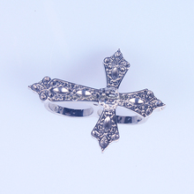 Unique Fancy Silver Crown Flower Hollow Two Finger Cross Ring Wholesale China
