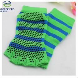 China suppliers wholesale Cotton Anti Slip Indoor Yoga Socks,High Quality Women Toe Non Slip Massage Yoga Socks