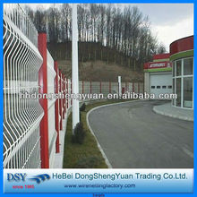 China Manufacture PVC Coated /Galvanized sports fields used welded wire mesh fencing (28 years history)