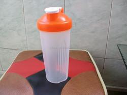 600ml Protein shaker, black plastic water bottle, water bottle