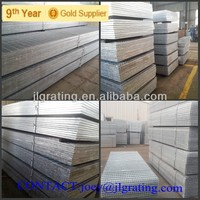 Steel grid floor