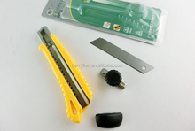 Different colors utility knife for the school or DIY project