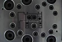 Precisión personalizado chino de inyección de plástico pvc molde para plástico puertas y ventanas