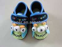 2015 new design little monster pattern baby shoes kids indoor shoes for boys