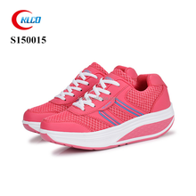 Wholesale pink breathable soft running sports sneaker shoe