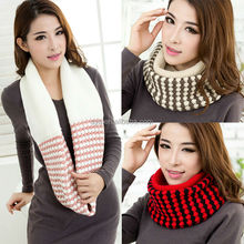 Wholesale warm hot sale women pink thick knitted snoop scarf