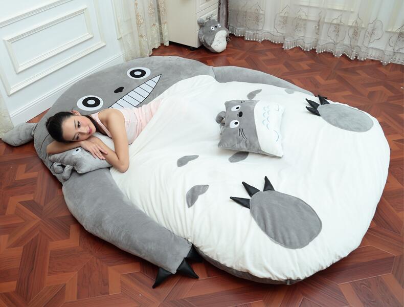 4 taille grand totoro unique et double lit g ant totoro lit matelas coussin en peluche matelas. Black Bedroom Furniture Sets. Home Design Ideas