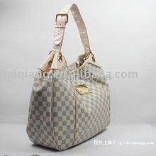 spray glue for suitcases and bags bonding fabric, plastic, EVA
