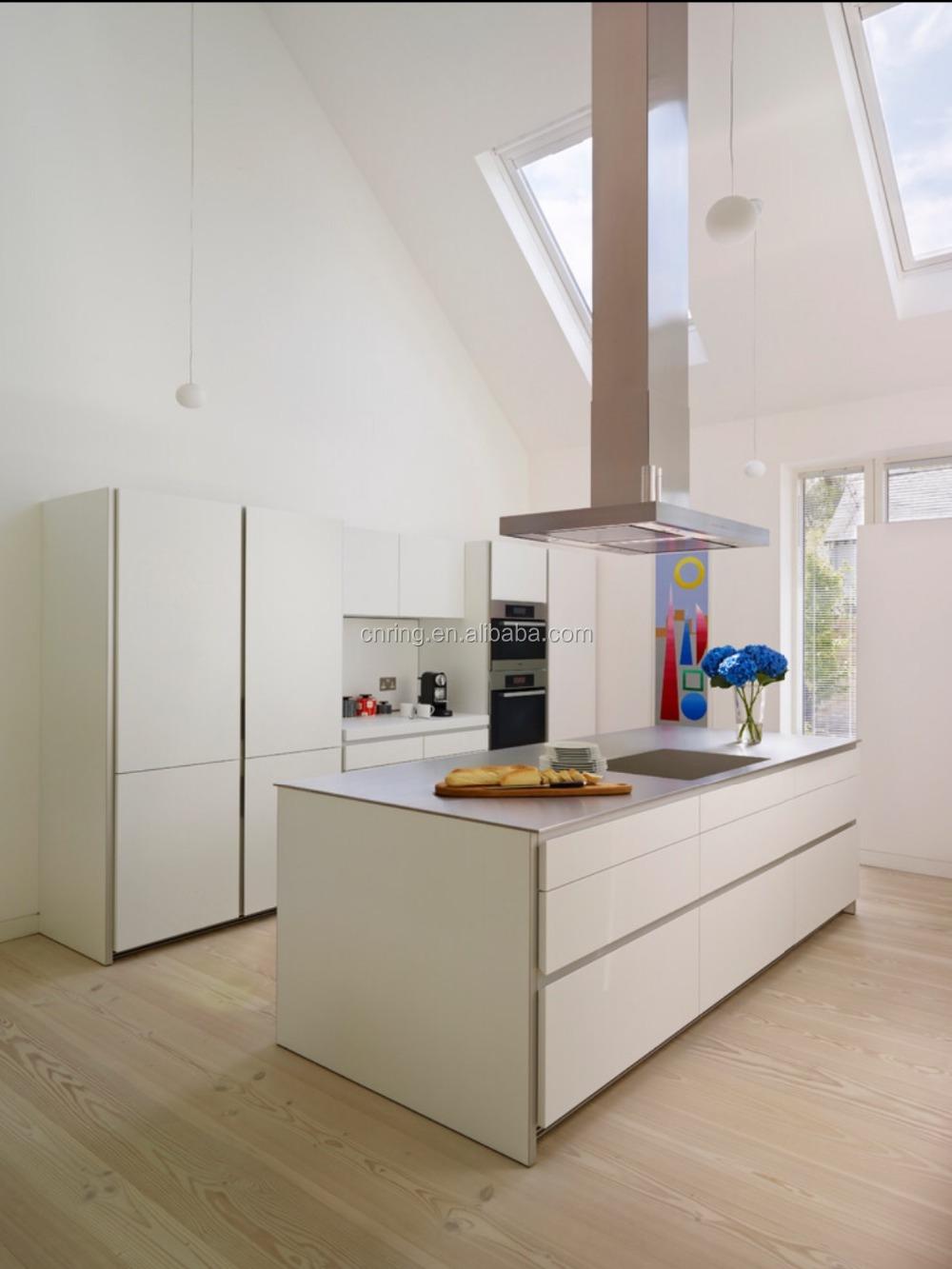 Tedesco armadio da cucina con push porta aperta senza maniglia ...