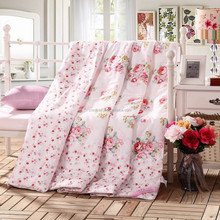 Luxury cheap handmade patchwork floral design pure Silk or down comforter/quilt for baby
