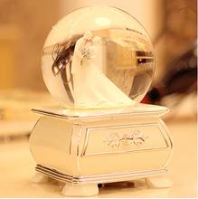 2015 New design uso e estilo da arte popular música do casamento lembrança globo de neve