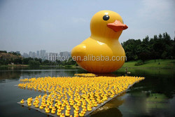 Top selling giant yellow duck advertising inflatables for attraction