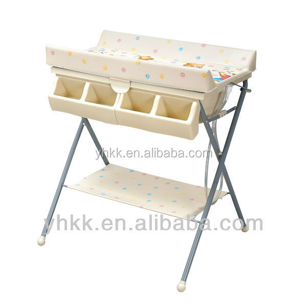 Table langer avec baignoire b b pas cher meubles b b s for Meuble baignoire bebe