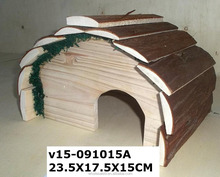 2015 New Pet Products Easy Assemly Cute Design Wooden Dog House for Sale